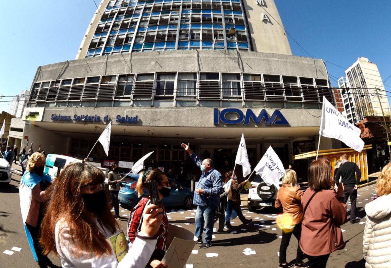 Autoridades de IOMA y la AMP vuelven a reunirse en medio del recrudecimiento del conflicto