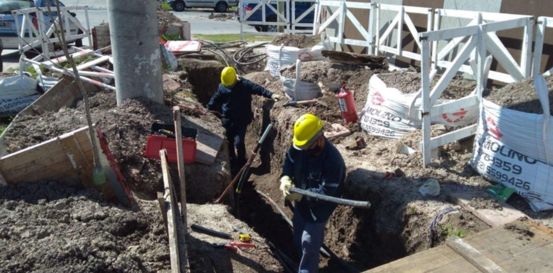 Avanza el plan de obras de Edelap con la instalación de una nueva red en La Plata