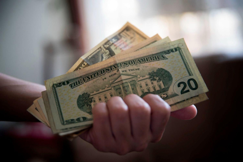 Especialistas predicen cuánto costará el dólar a fin de año y cuál será inflación