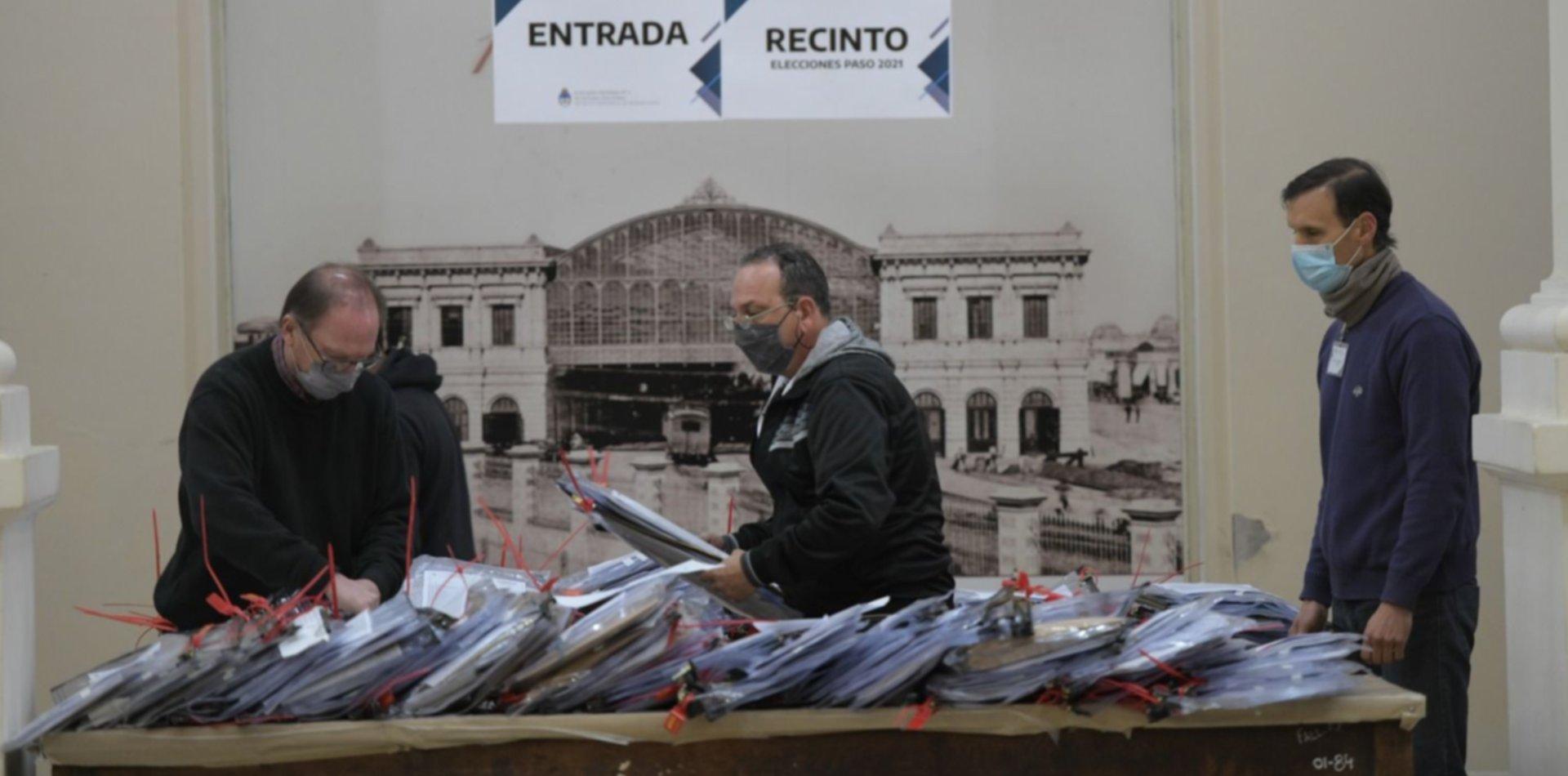 Arrancó en La Plata el escrutinio definitivo de las últimas PASO