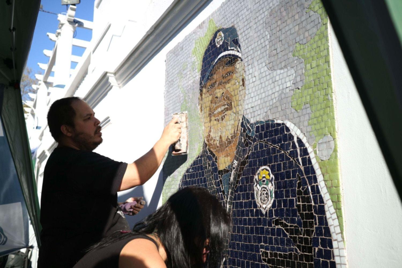 El Lobo inauguró un mural para homenajear a Diego Maradona