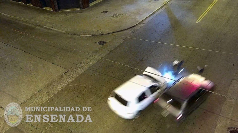 VIDEO: Cruzó en rojo a toda velocidad y provocó un impactante accidente en la región