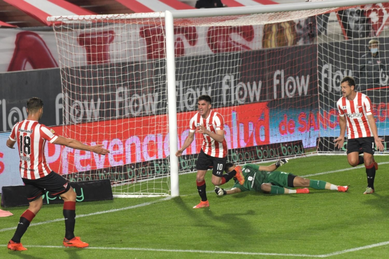 Estudiantes jugó mal, no lo pudo aguantar y se quedó con un empate en UNO ante Platense