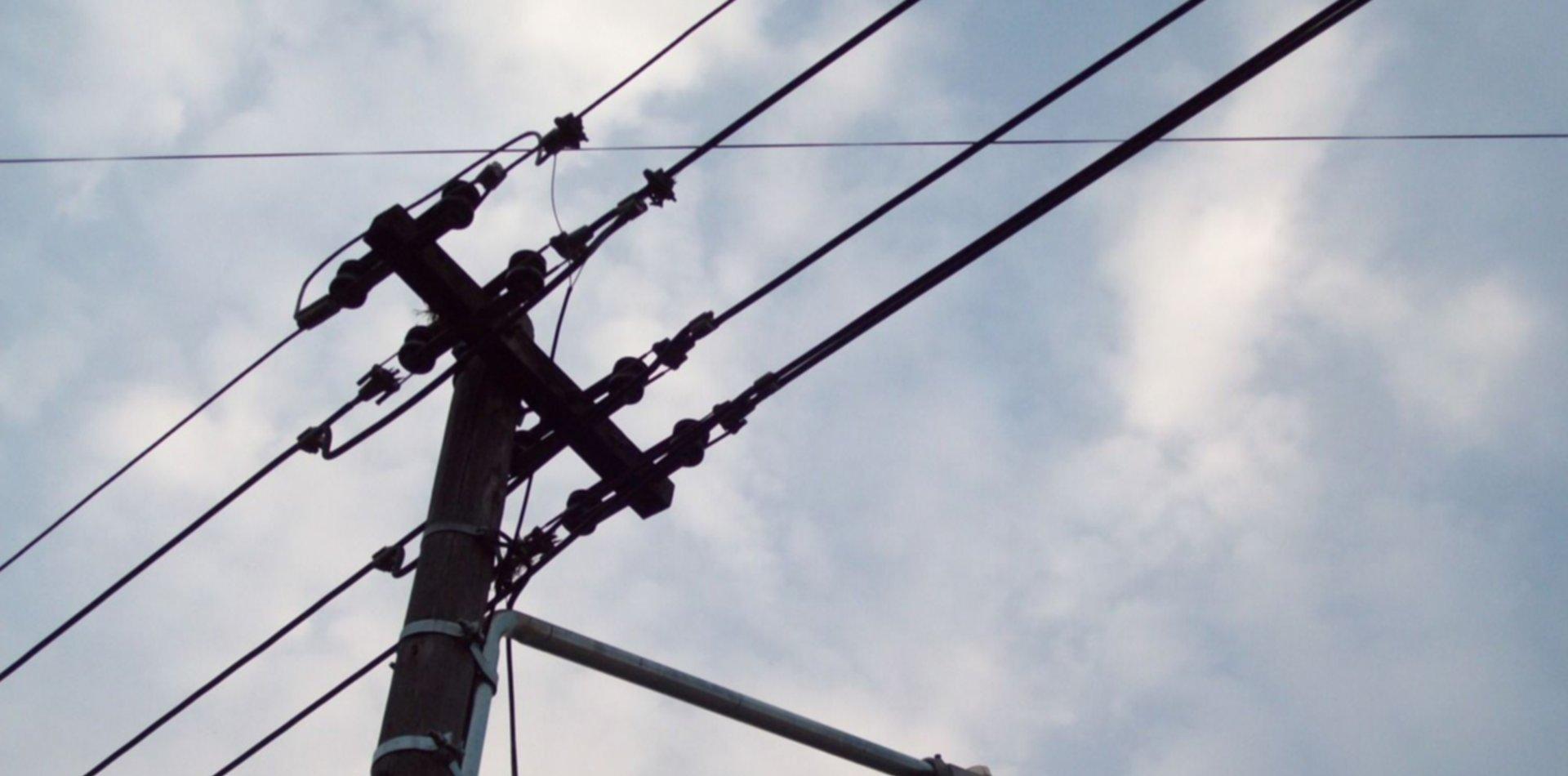 Los detuvieron robando cables en las calles de La Plata con sierras, pinzas y arneses