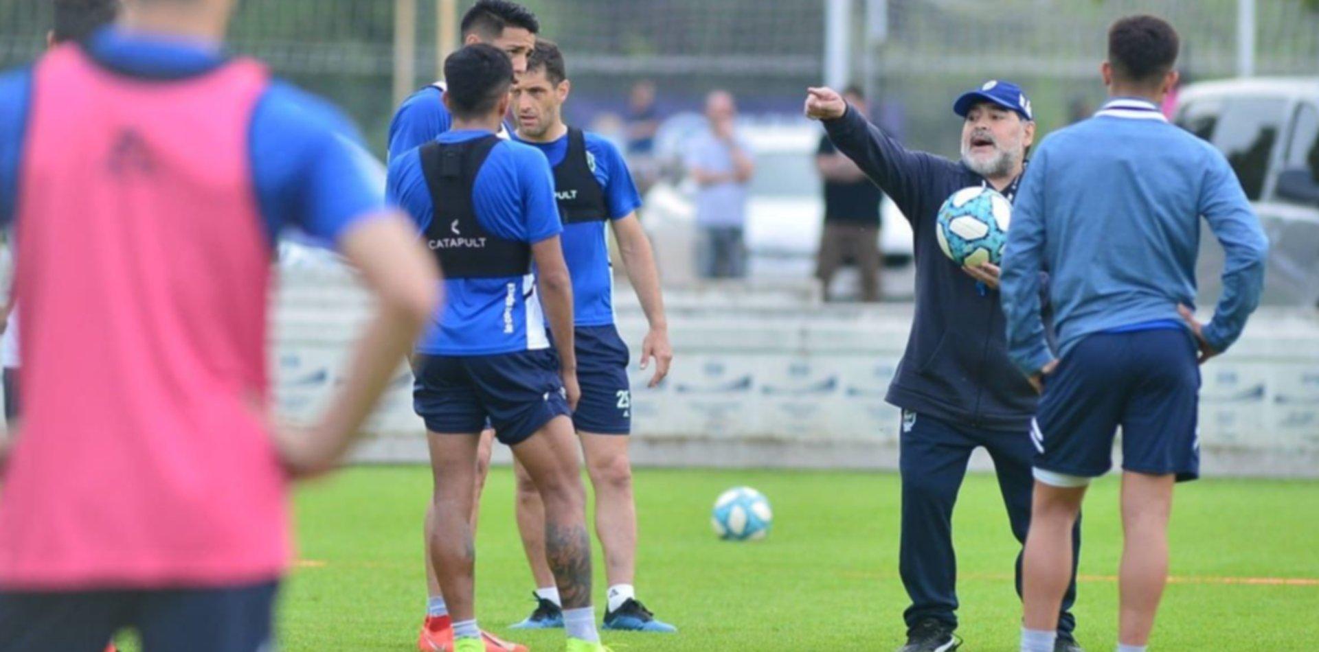 Gimnasia prepara el duelo ante Unión y Maradona empieza a definir el equipo