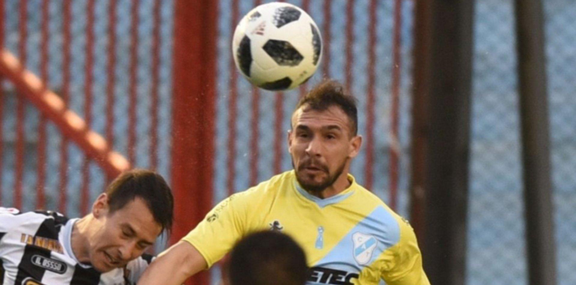Un futbolista platense en la Superliga fue denunciado por violencia de género