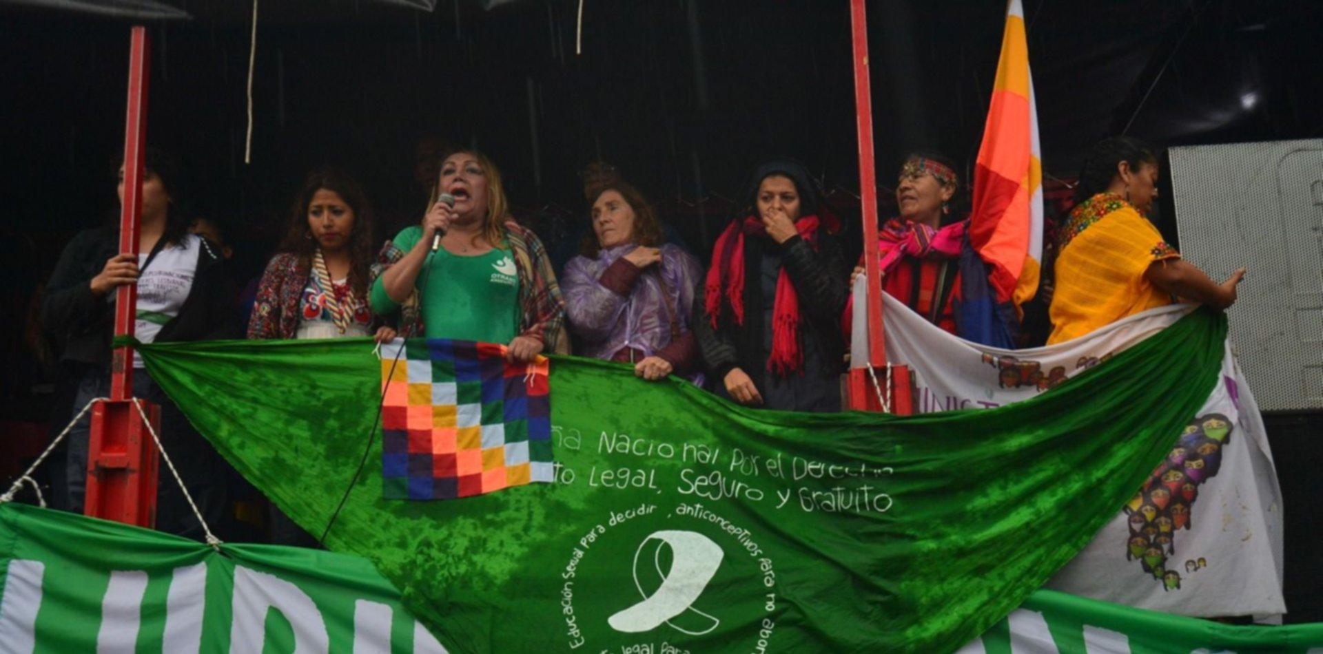 La apertura no se hizo pero miles de mujeres y disidencias sexuales marcharon igual