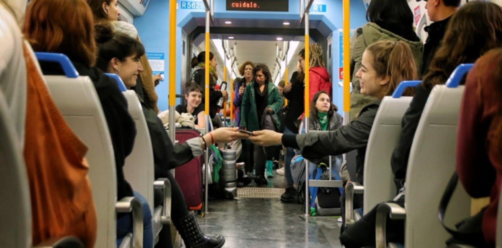 El tren Roca no llega a La Plata y complica el viaje hacia el Encuentro Feminista