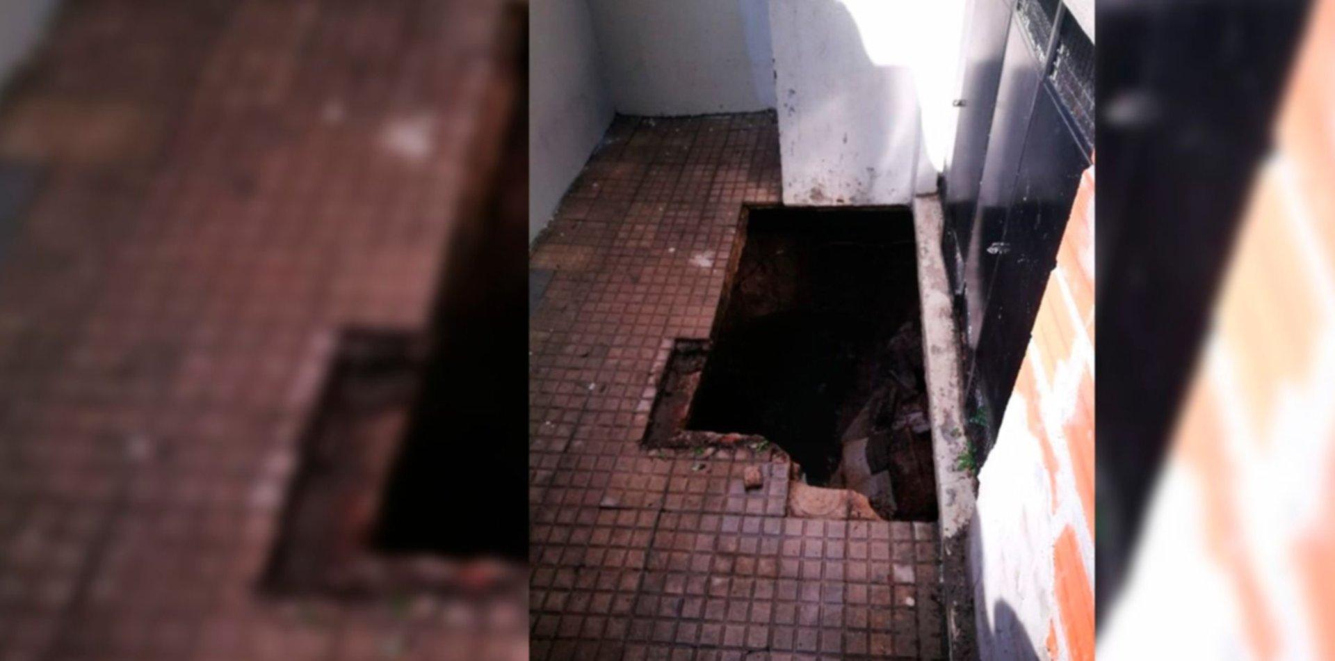 Susto en un salita municipal: se desplomó el piso y una nena cayó en el pozo