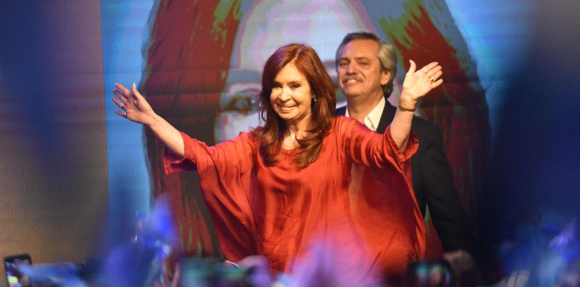 """El tuit de CFK por el Día de la Lealtad Peronista: """"Con la misma pasión y amor de siempre"""""""
