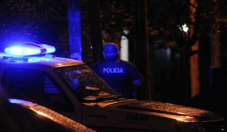 Intentaron entrar a robar a una carnicería de La Plata, no pudieron y la prendieron fuego