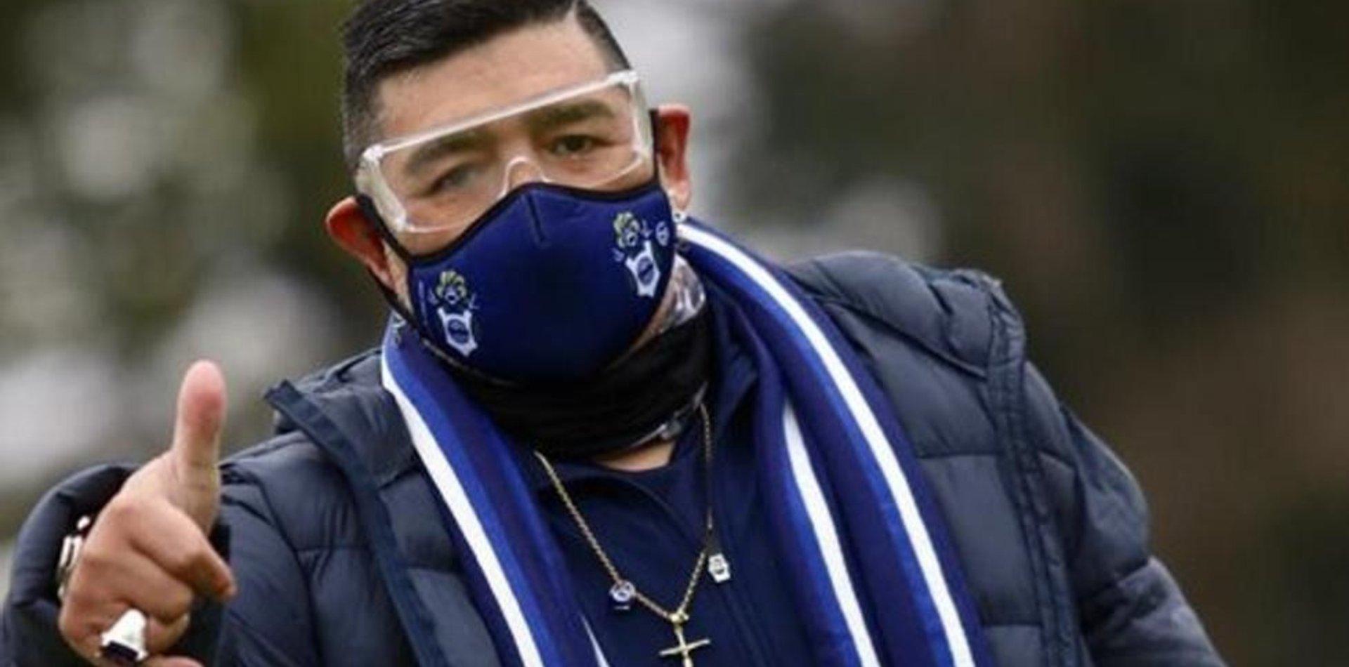 El custodio de Maradona no tiene COVID y el DT estará en el Bosque el día su cumpleaños