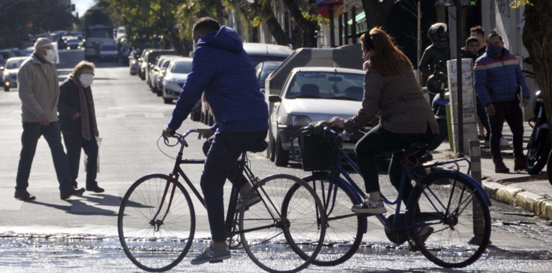 Todo listo para una jornada al aire libre sobre bicicletas y cicloturismo