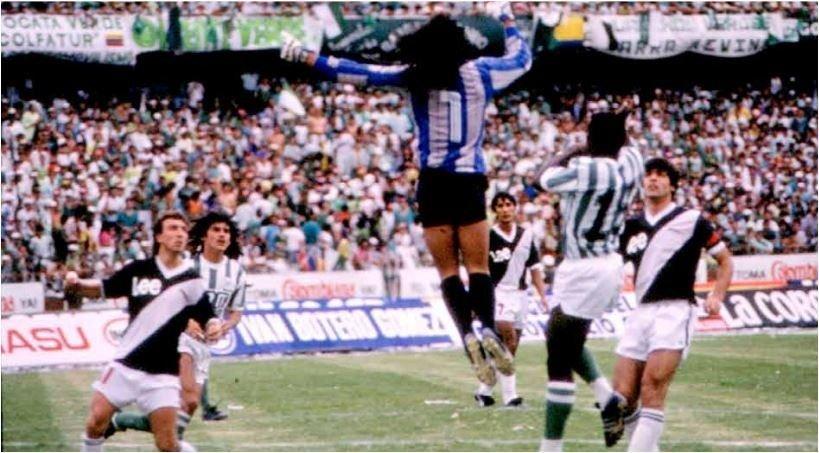 Los increíbles detalles de un apriete del sicario de Pablo Escobar en la Copa Libertadores