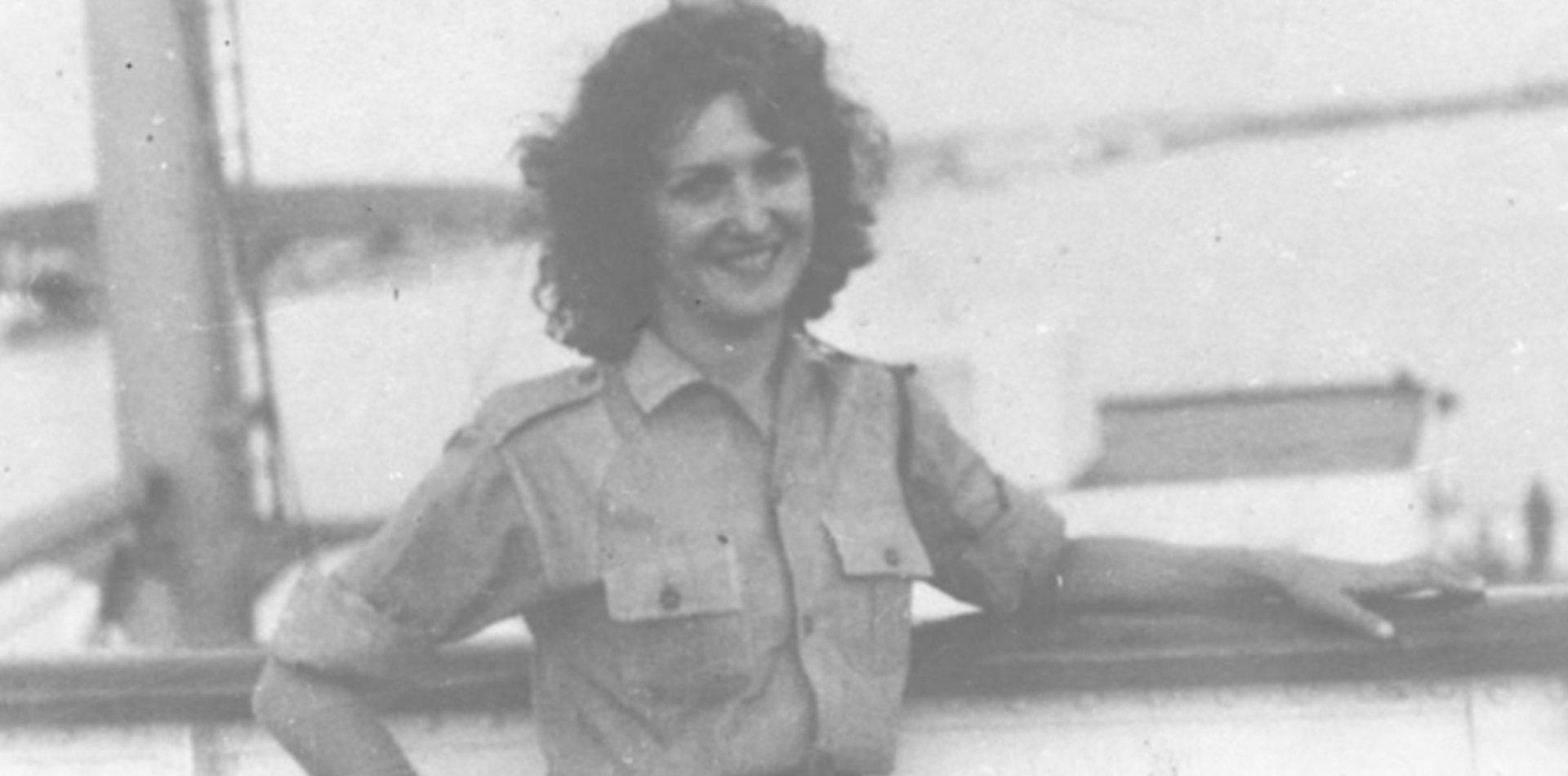 """""""Al menos flores"""", la novela inspirada en la vida de Tania la guerrillera"""