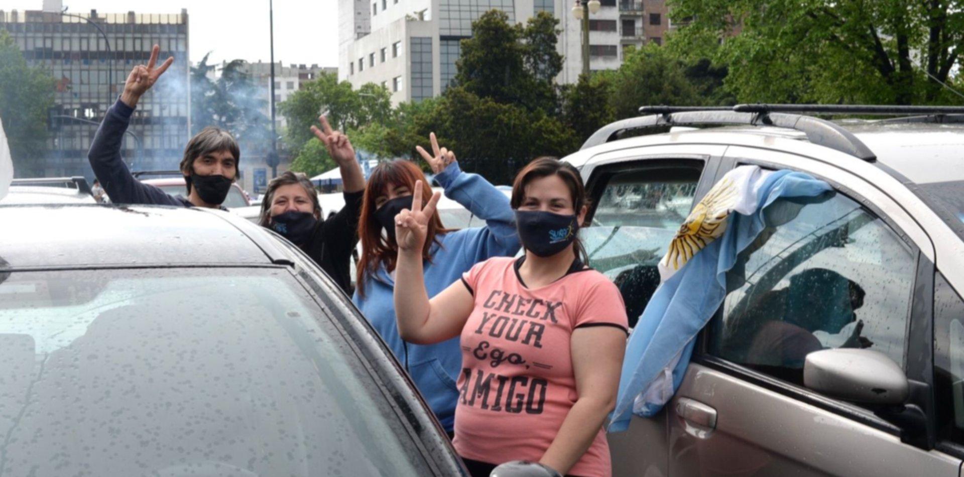 Platenses marcharon en caravana por el Día de la Lealtad Peronista