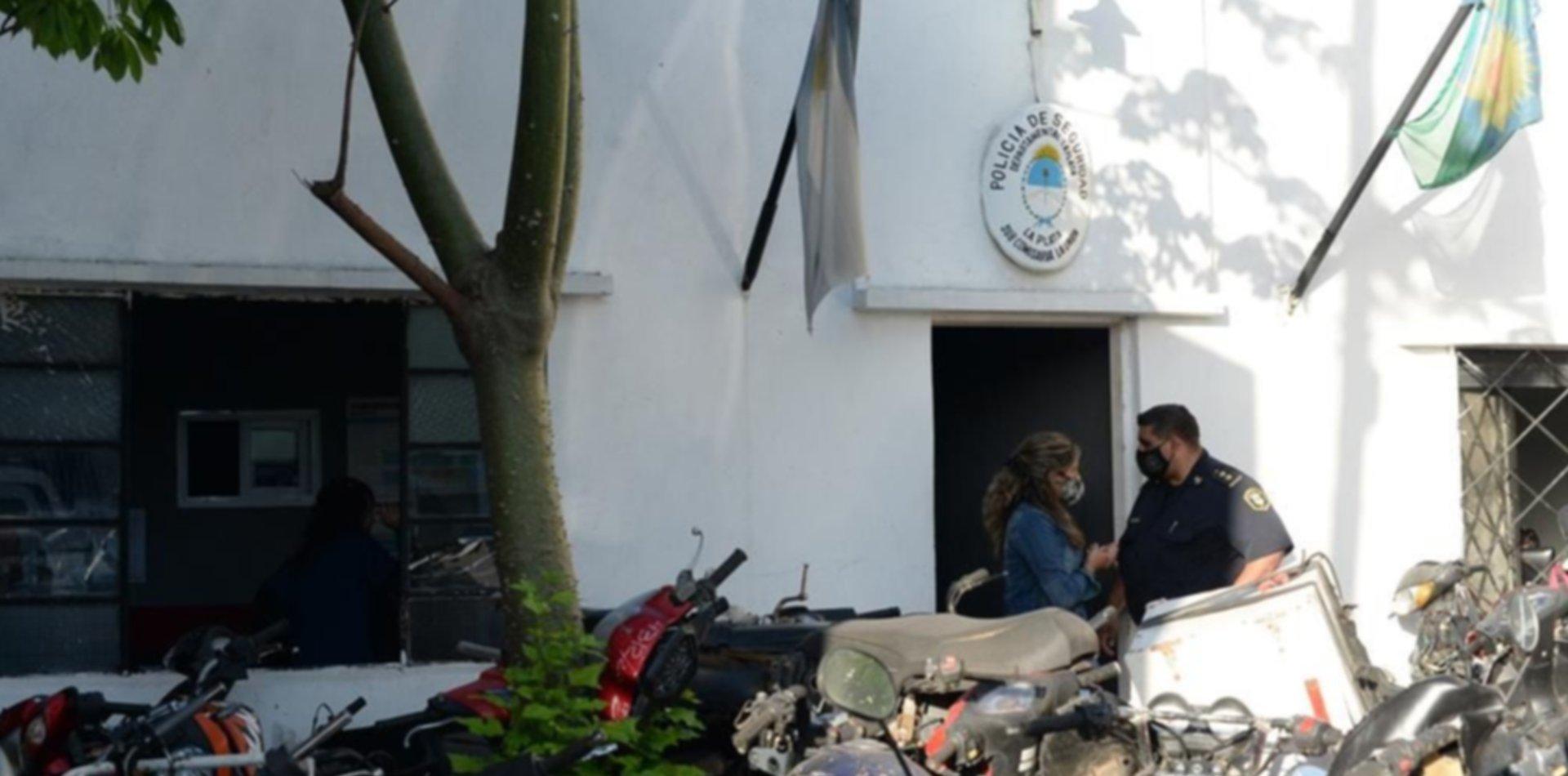 Escándalo en La Plata: detuvieron a un comisario y dos policías por pedir coimas
