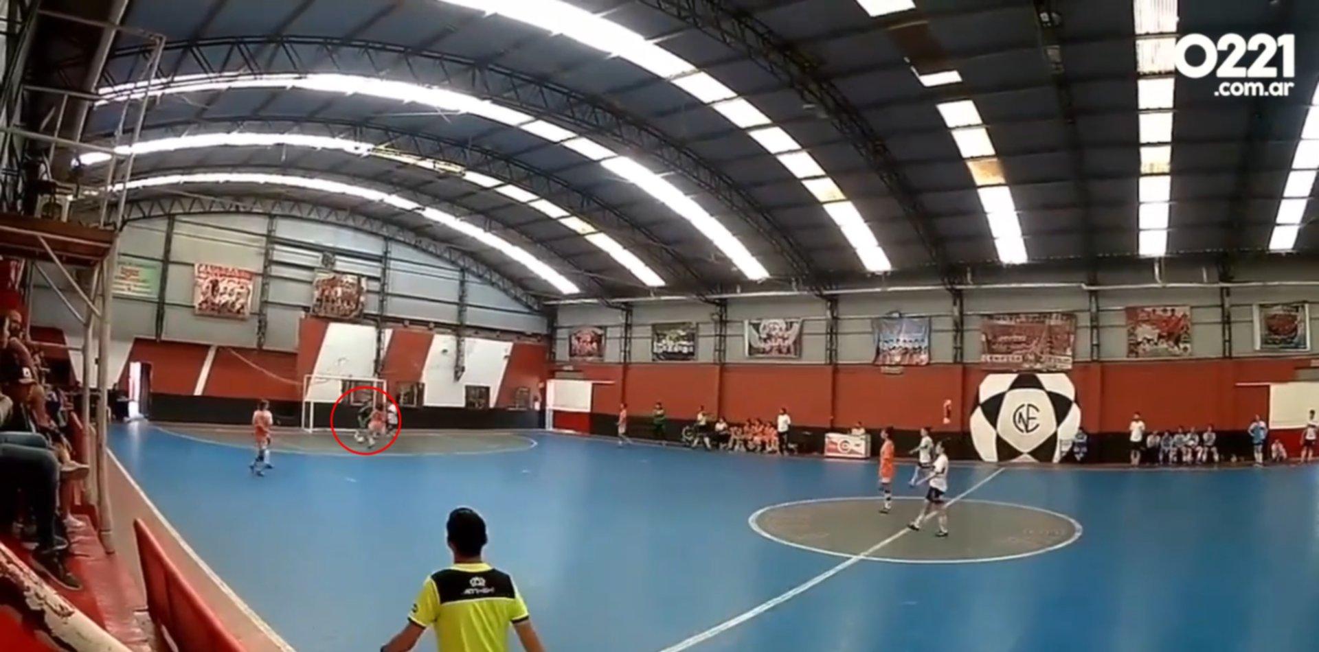 VIDEO: La vergonzosa actitud antideportiva de Banfield contra Gimnasia en el Futsal