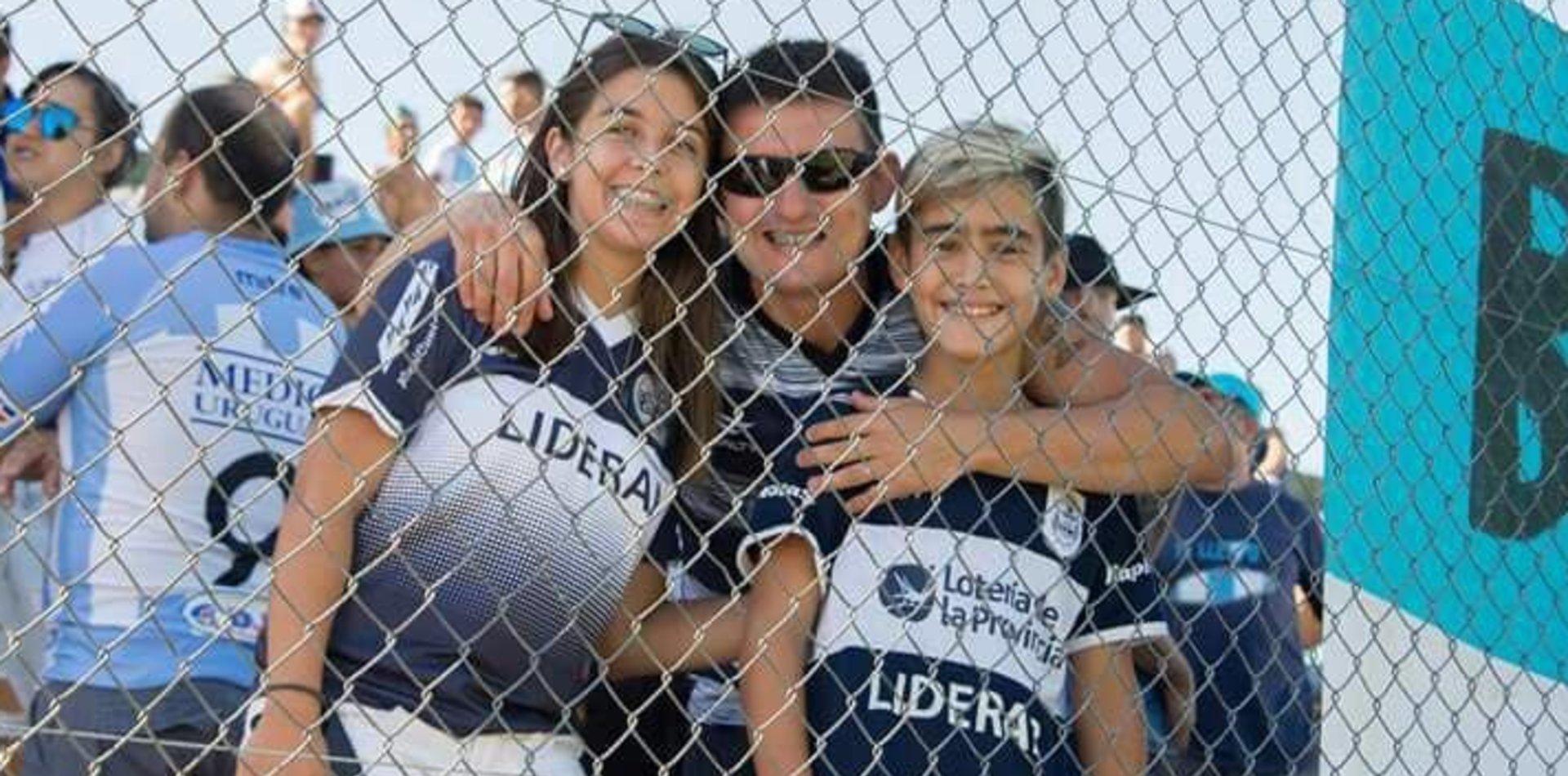 Es uruguayo, cumplió 11 años y estalló en llanto cuando le dijeron que venía a ver a Gimnasia
