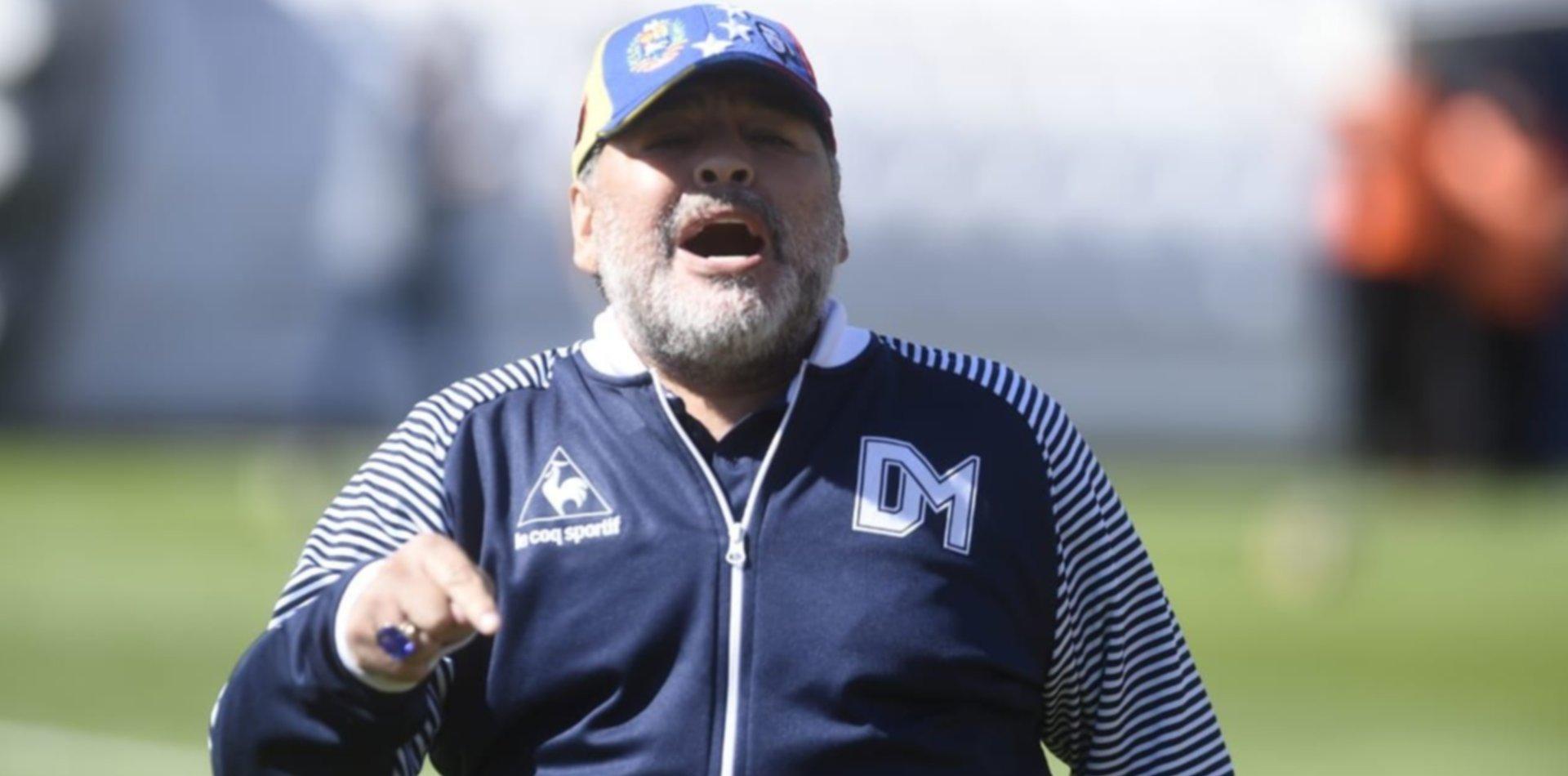 La condición de Maradona para seguir como DT del Lobo