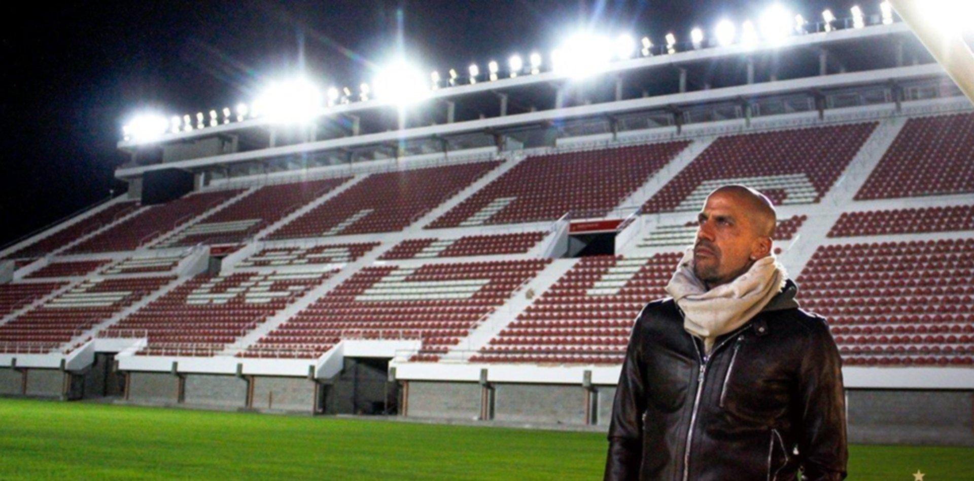 Juan Sebastián Verón, el presidente de Estudiantes de la vuelta a UNO