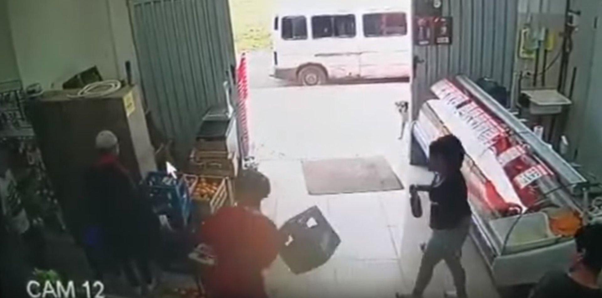 Detuvieron a una de las jóvenes implicadas en el violento robo a un supermercado de La Plata