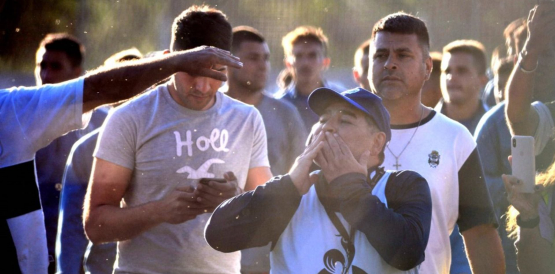 El Día del Hincha de Gimnasia se celebra donando sangre y con Maradona en el Bosque