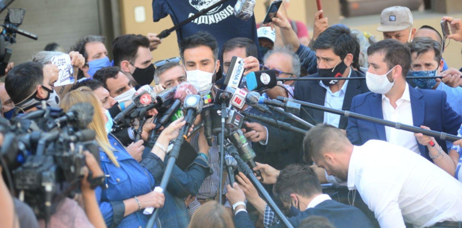 Tras la pericia oficial comprueban que el médico Luque falsificó la firma de Maradona
