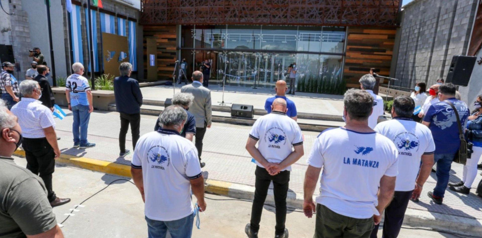Máximo Kirchner visitó Ensenada para la inauguración del edificio Malvinas