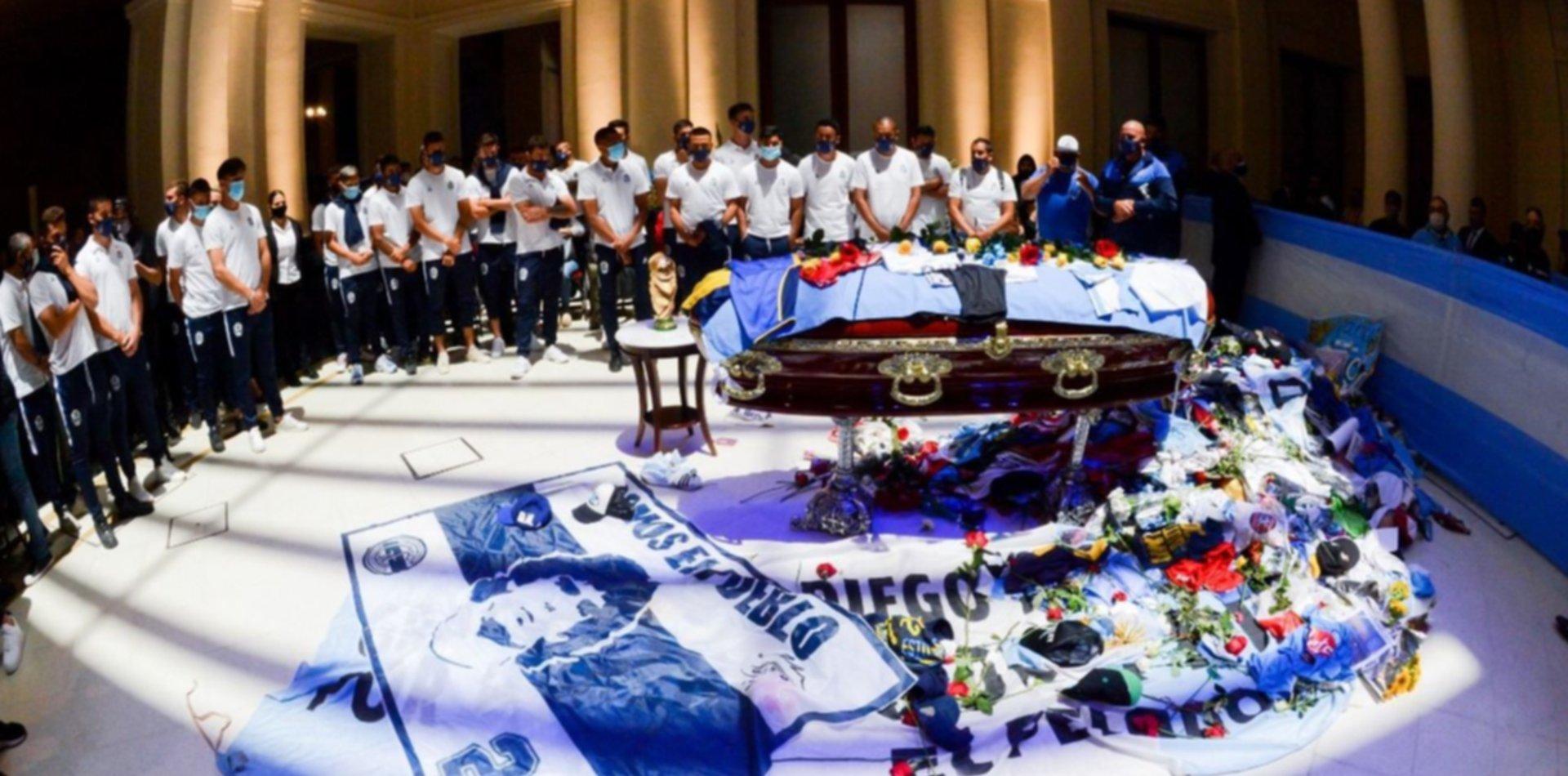 El plantel de Gimnasia despidió a su DT en Casa Rosada