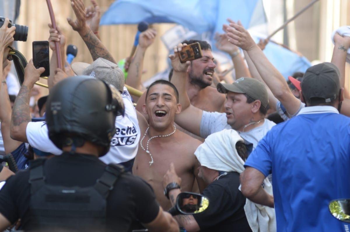 Alberto Fernández dijo que se investigará el ingreso de la barra de Gimnasia a Casa Rosada