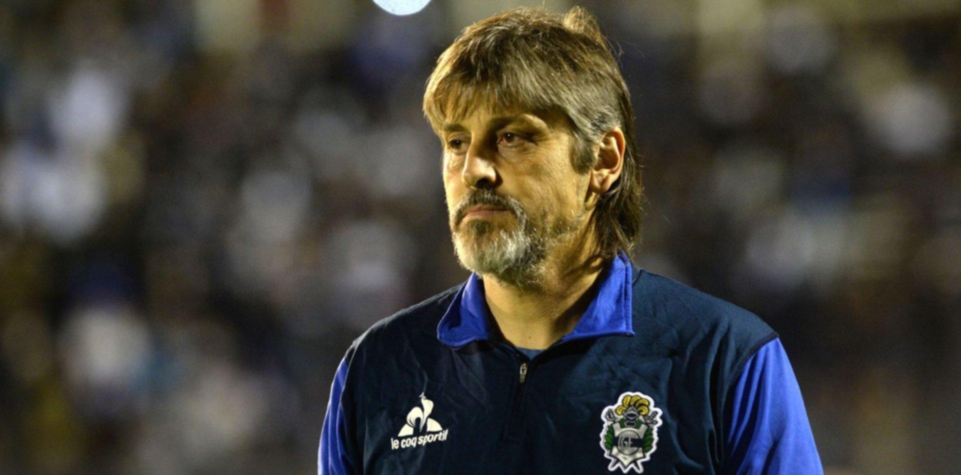 """El Indio Ortiz habló después del empate: """"Tenemos que mejorar de mitad de cancha para adelante"""""""