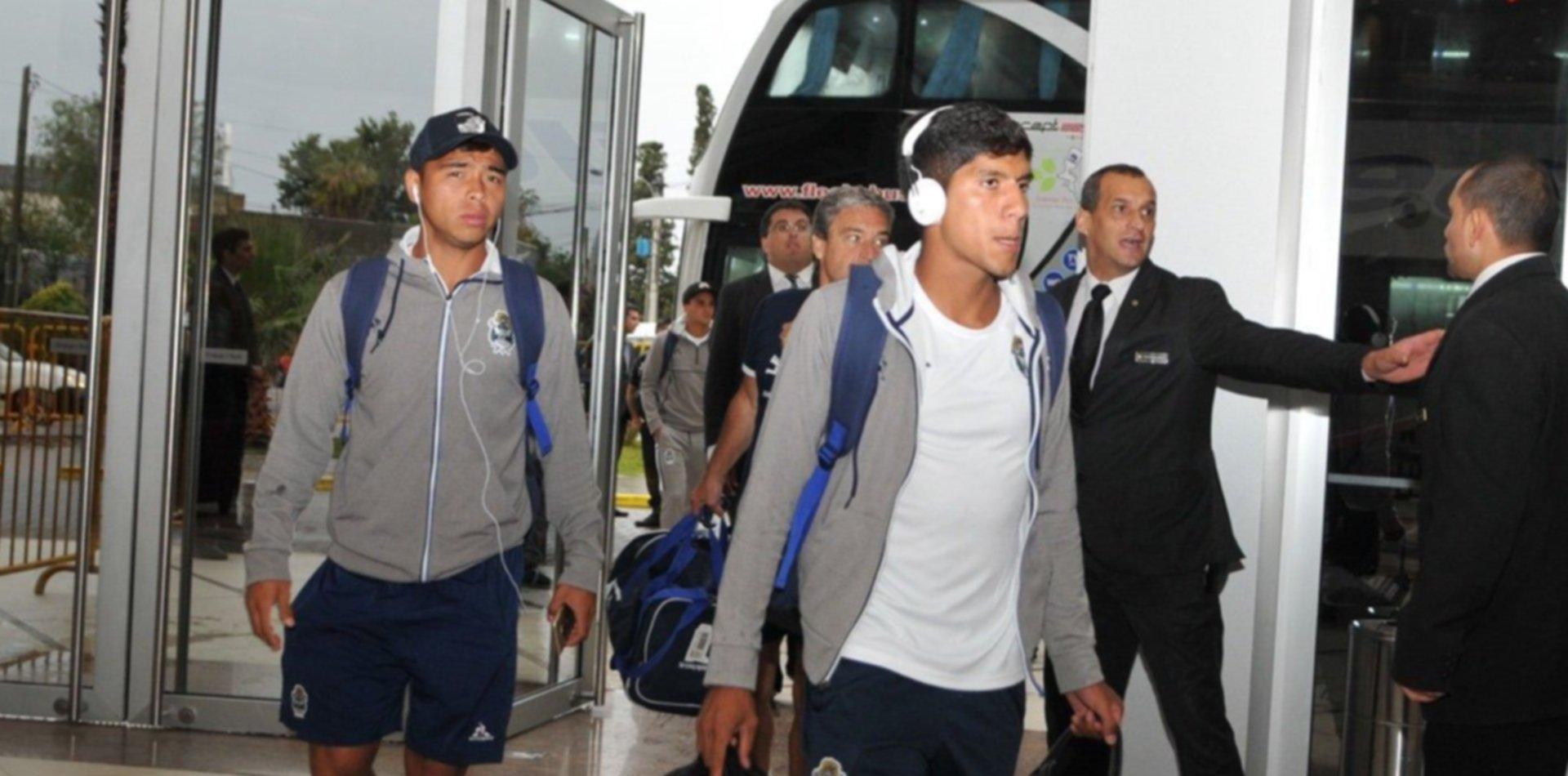 Gimnasia aterrizó en Mendoza y tiene todo listo para la final de Copa Argentina