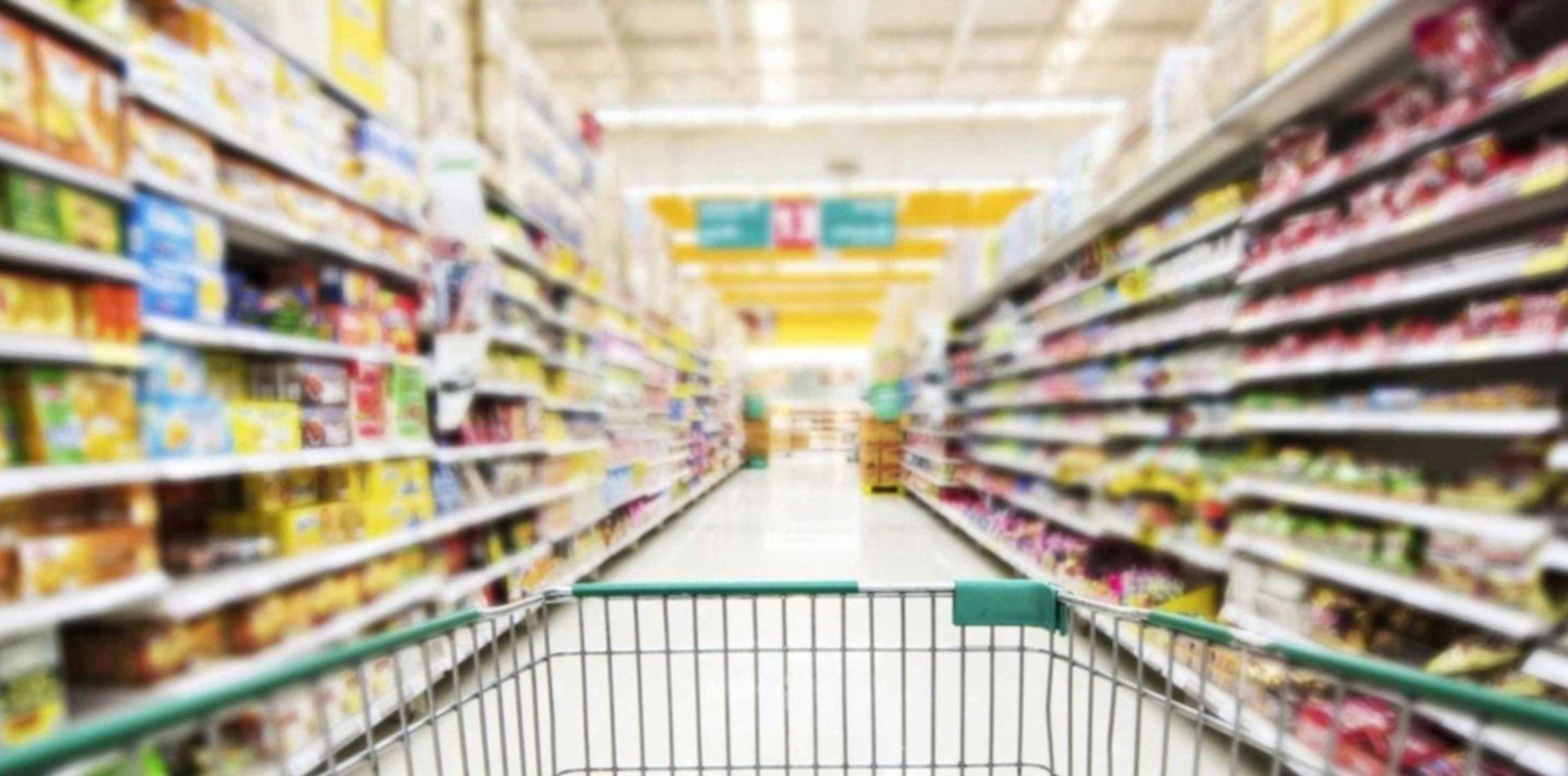 ¿Por qué en el Disco y Carrefour de La Plata hay racionamiento de leche?