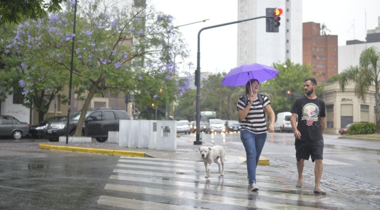 Inestable y con lluvias: así estará el tiempo en la ciudad