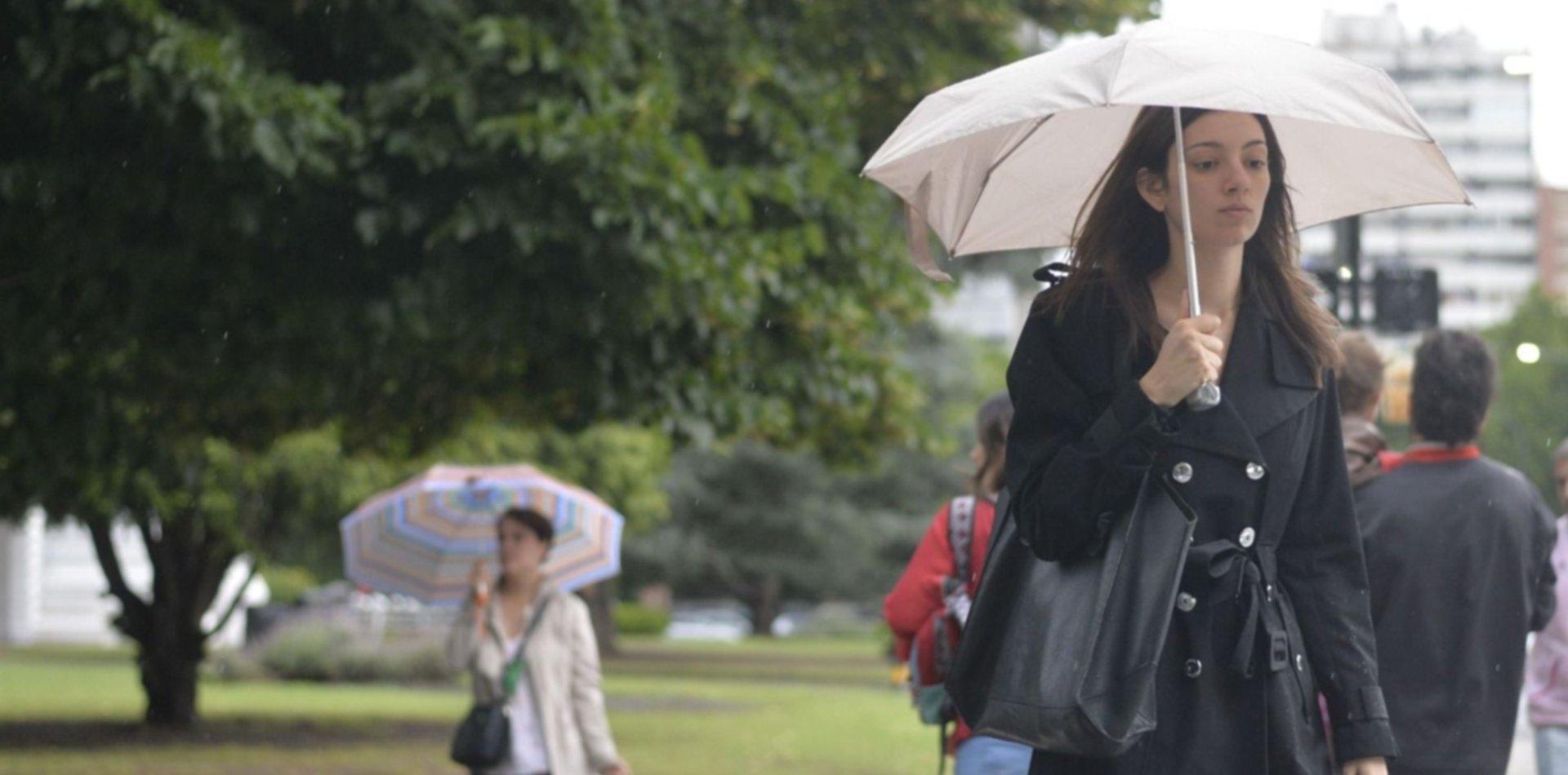 Vuelve el frío y siguen las lluvias: así estará el clima en el comienzo de la semana