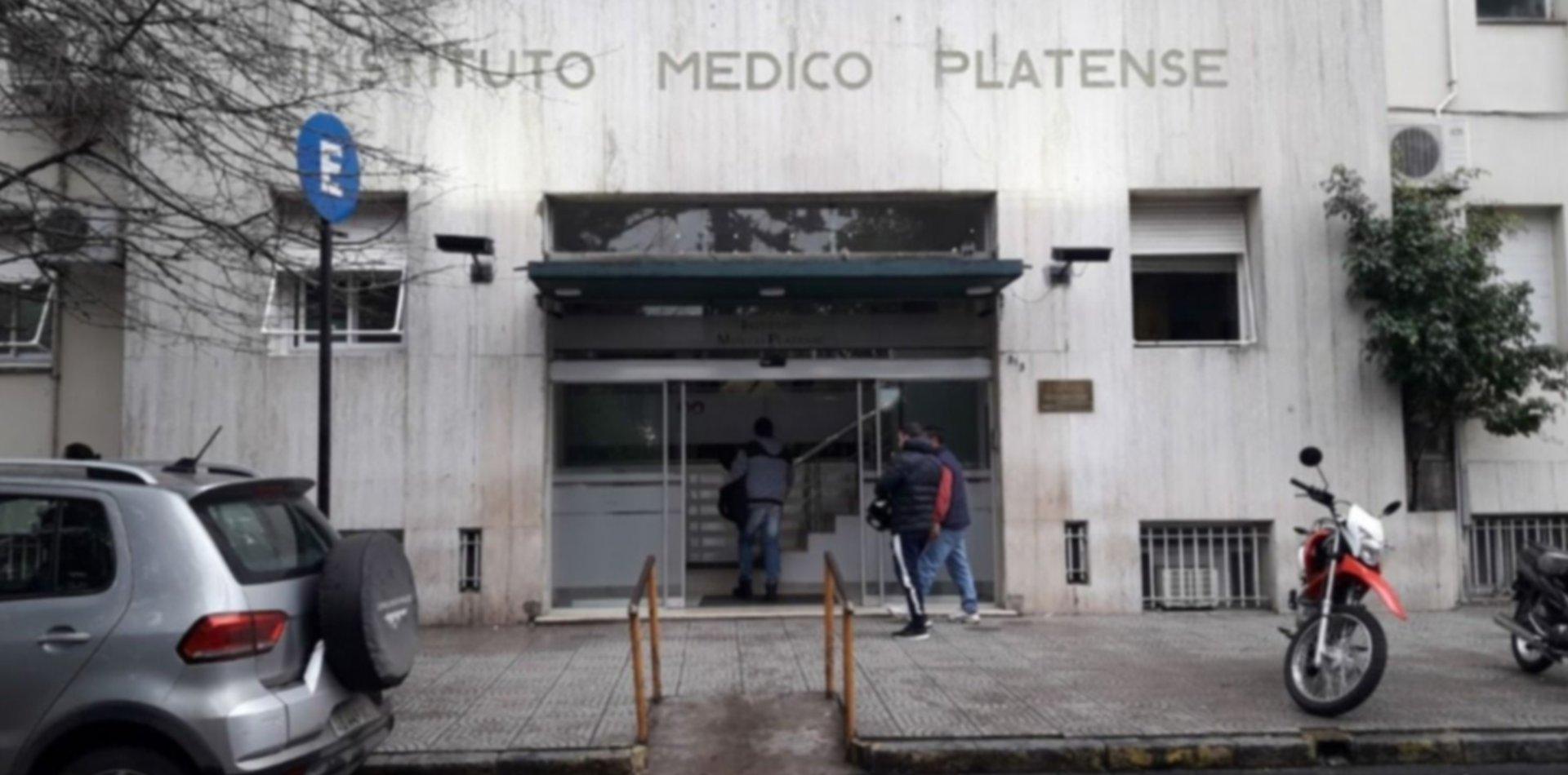 Salvaje ataque en La Plata: un abuelo fue apuñalado durante un asalto y terminó internado