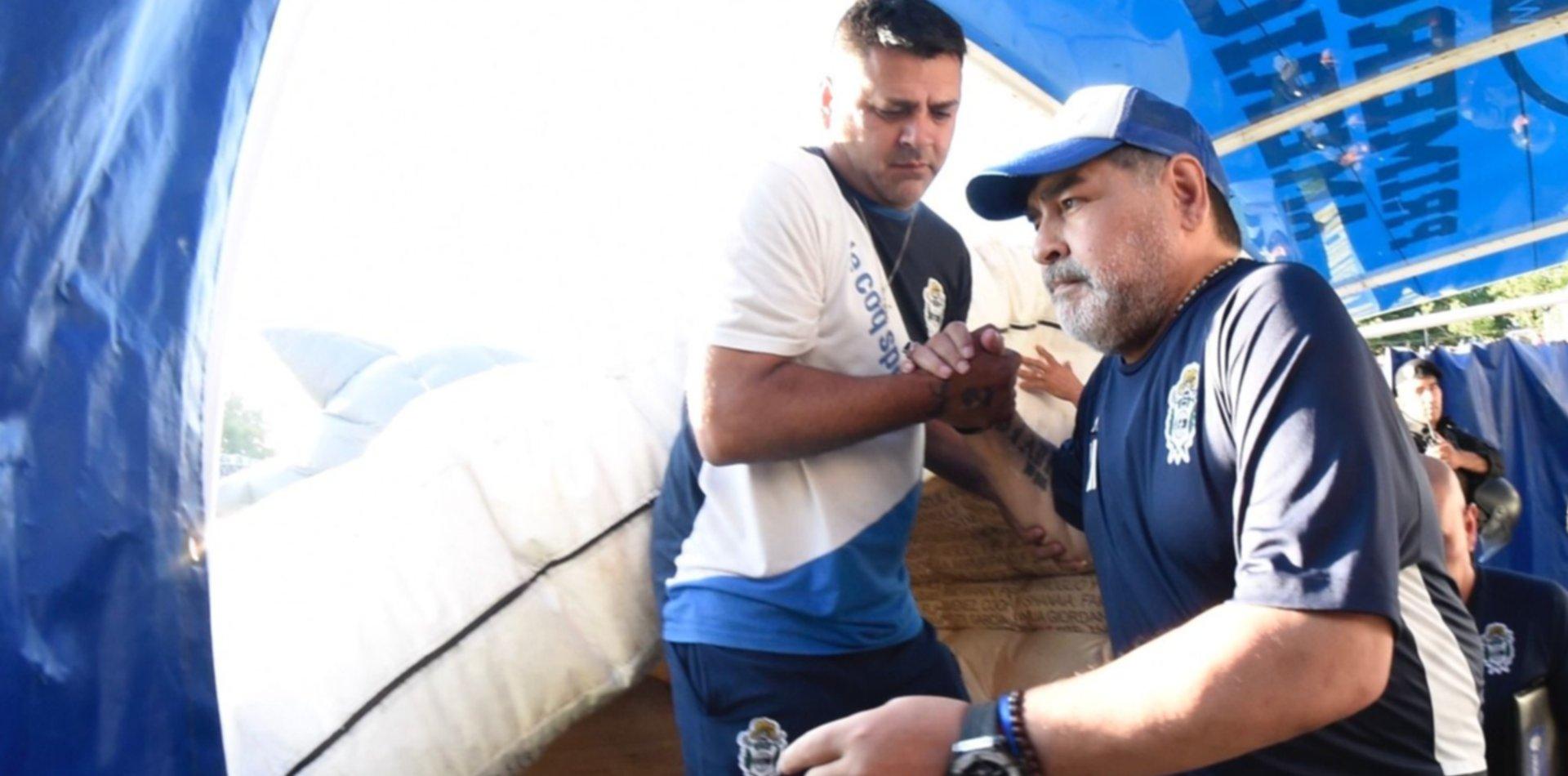 """""""Yo no traiciono, yo no soy inglés"""", el polémico mensaje de Maradona al irse del Bosque"""