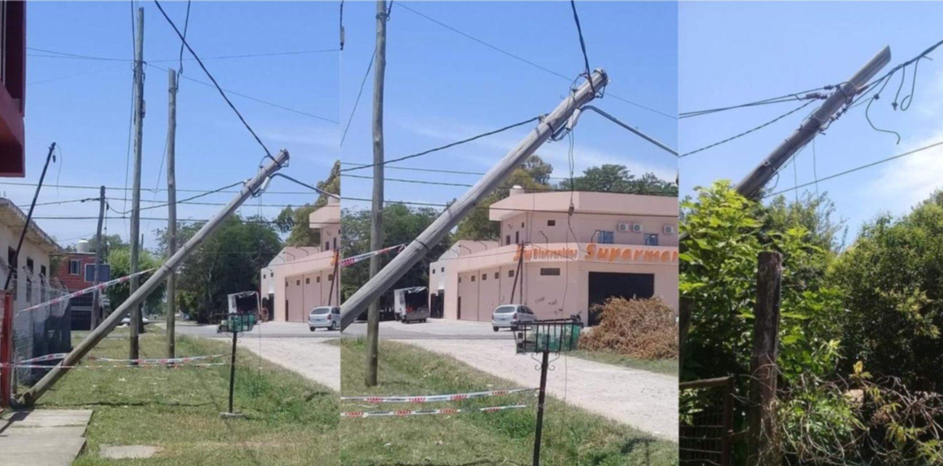 """Vecinos explotaron contra Edelap por postes caídos: """"Se están por cortar los cables"""""""