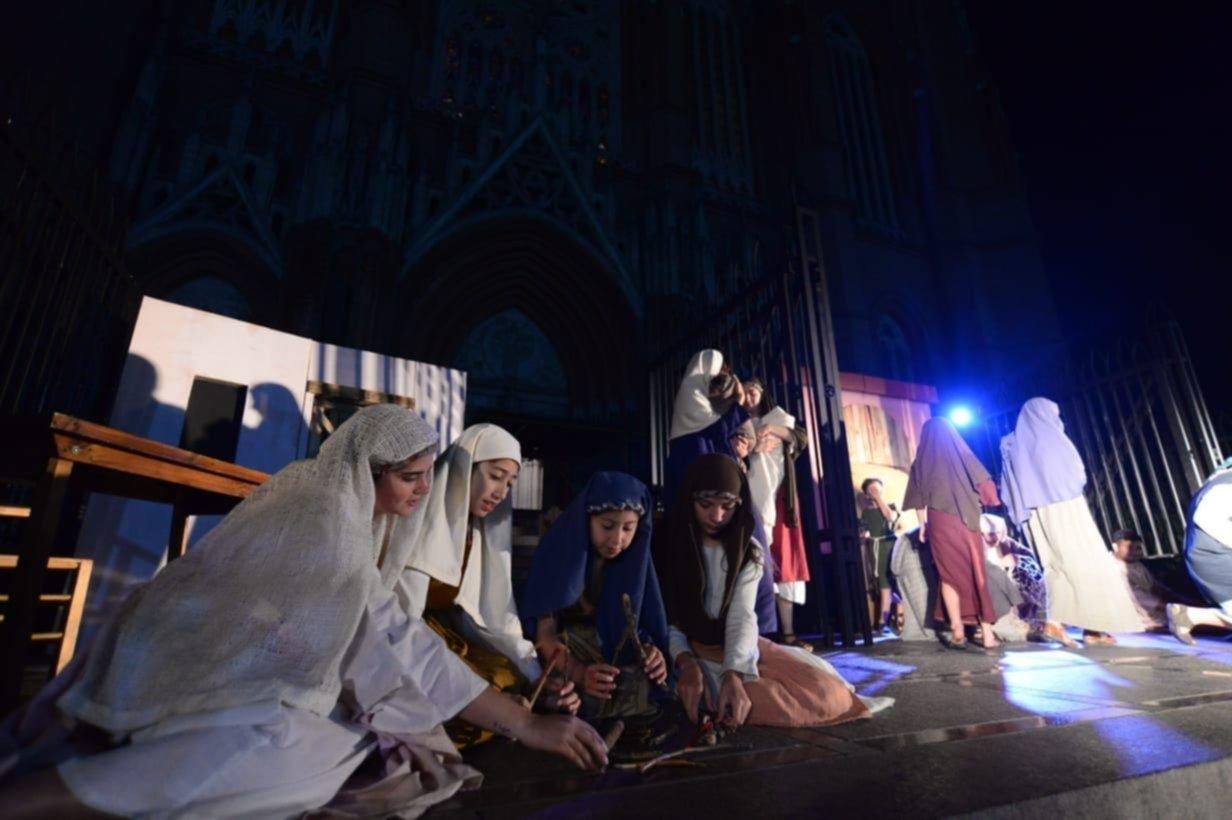 El espíritu navideño se instaló en la ciudad con el Pesebre Musical en la Catedral