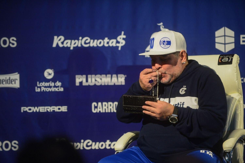 """Causa Maradona: el enfermero complicó a Cosachov y Perroni y habló de """"firmas truchas"""""""