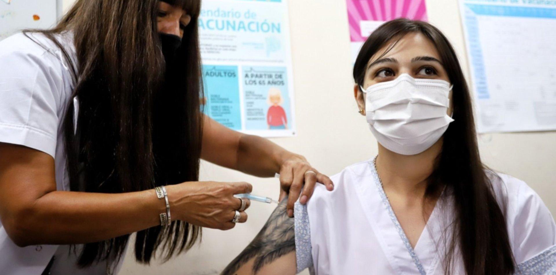 La historia de la enfermera platense que tuvo COVID y fue la primera vacunada del país