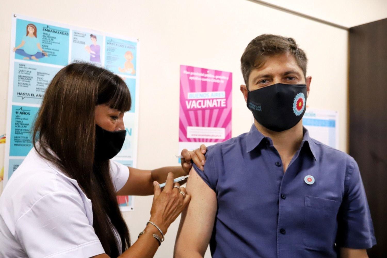 Kicillof analiza impulsar una ley para sancionar las irregularidades con las vacunas
